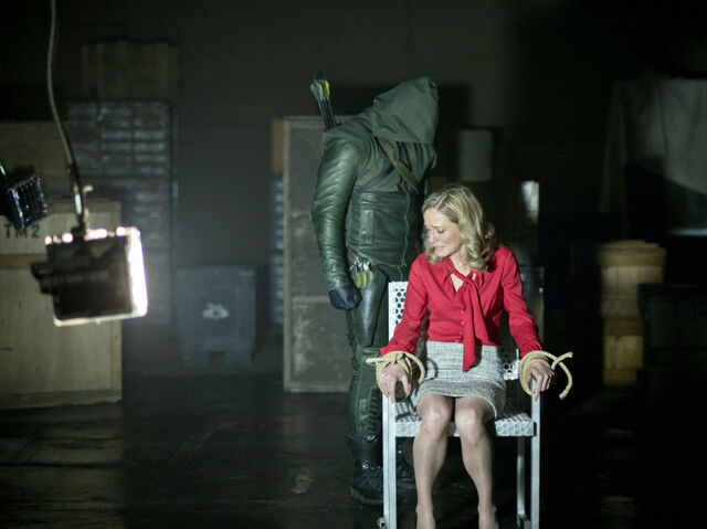 File:Arrow TV Series Episode Darkness on the Edge of Town 001.jpg