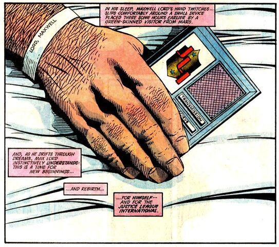 File:Justice League Signal Device 001.jpg