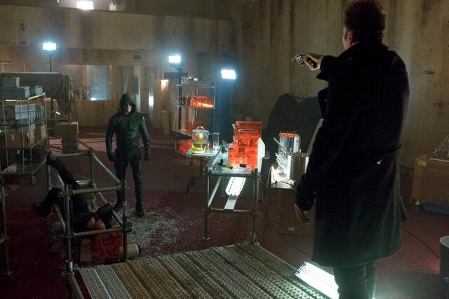 File:Arrow TV Series Episode Vertigo 001.jpg