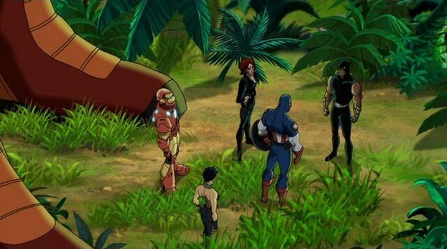 File:Avengers Surround Panther UA2.jpg