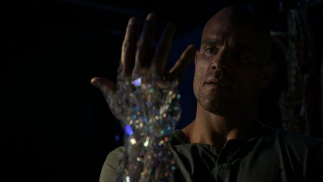 File:Carl-Creel-Diamond-Hand.jpg