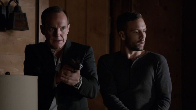 File:Phil-Coulson-Lance-Hunter-shot-Gonzales-soldiers.jpg