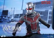 Ant-Man Civil War Hot Toys 4