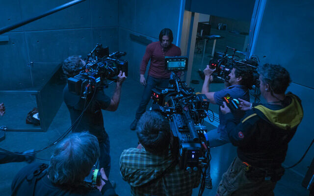 File:Captain America Civil War BTS 4.jpg