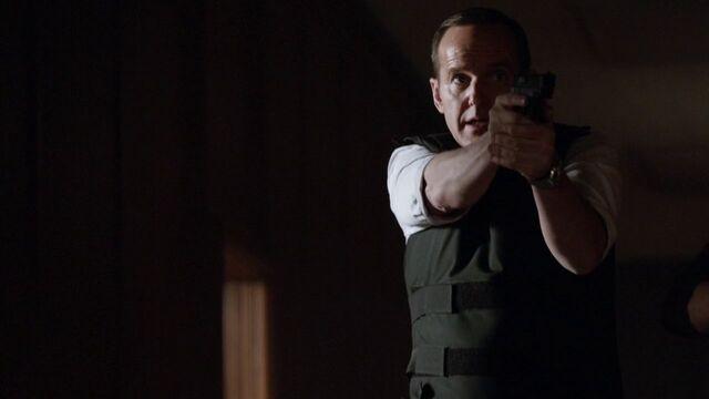 File:Phil-Coulson-gunfight-S2E18.jpg