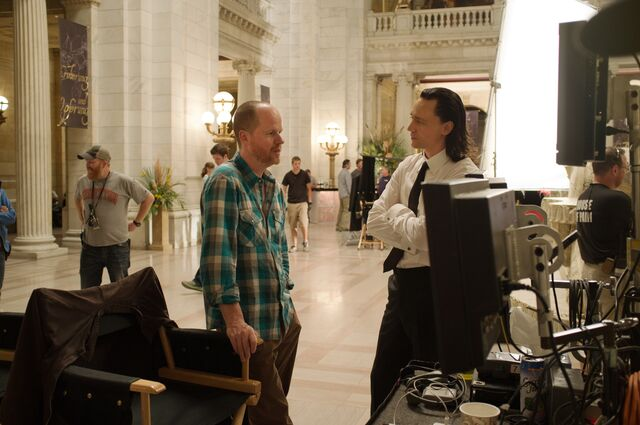 File:Hiddleston and Wedon Behind the Scenes.jpg