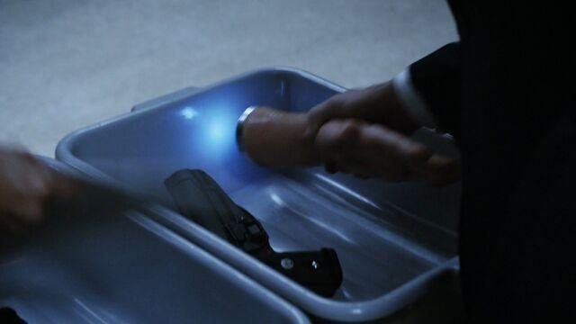 File:Lockup Coulson's Hand.jpg