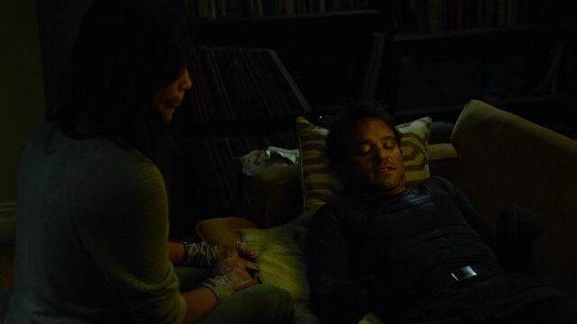 File:Daredevil-Clare-Temple-sofa-treatment.jpg