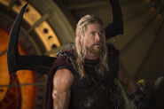 Thor-ragnarok-chris-hemsworth-5