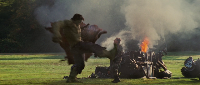 File:Hulk kicks Blonsky.png