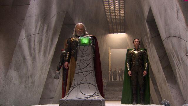File:Filiming Thor on set 5.jpg