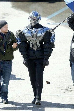File:Ultron Set 5.jpg