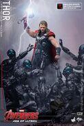 Thor AOU Hot Toys 8