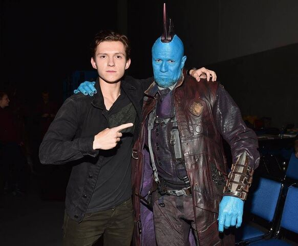 File:Tomhollandmeetsyoundu.jpg