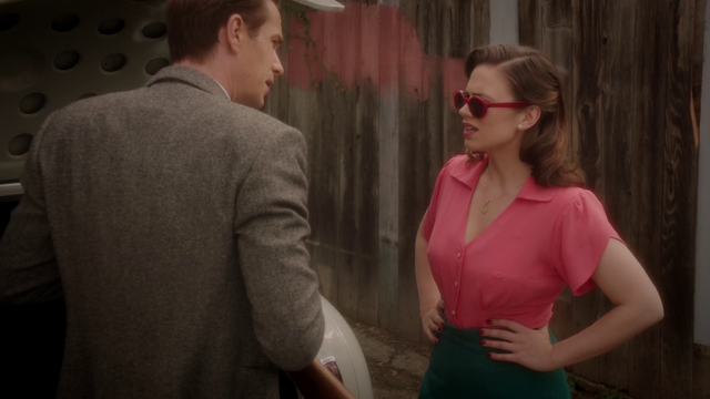 File:Peggy Carter - Hands on Hips (2x04).png
