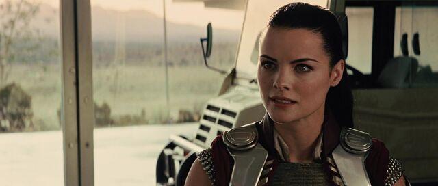 File:Sif-tells-Thor-of-Lokis-Lies.jpg