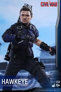 Hawkeye Civil War Hot Toys 7