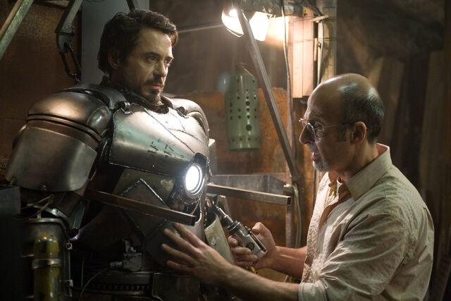 File:Stark and Yinsen.jpg
