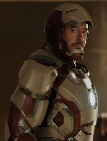 File:Anthony Stark (Earth-199999) with Iron Man Armor MK XLII (Earth-199999) from Iron Man 3 (film) 001.jpg