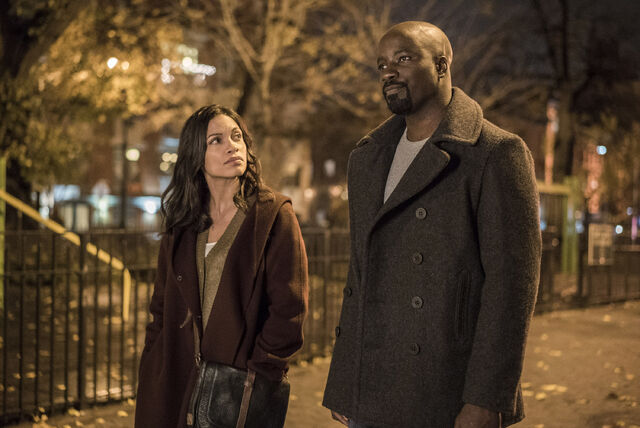 File:Luke Cage - Claire and Luke - August 17 2016.jpg
