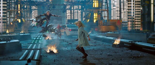 File:Green Goblin goes after Gwen.jpg