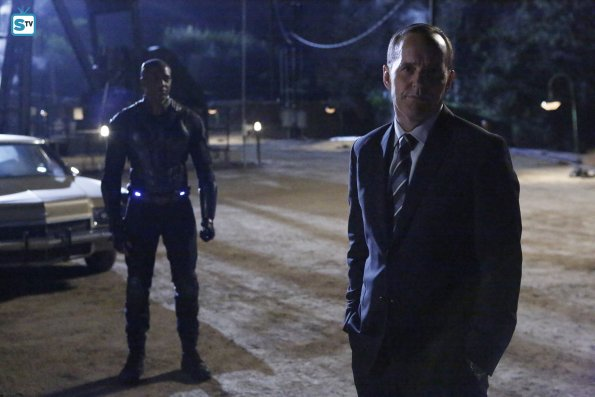 File:Mike Peterson Phil Coulson Agents of SHIELD The Dirty Half Dozen.jpg
