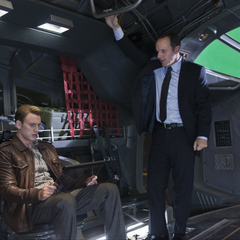 Behind The scenes with Chris Evans (Steve Rogers) & Clark Gregg (Agent Coulson).