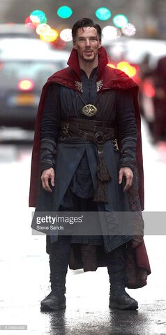 File:Doctor Strange Filming 44.jpg
