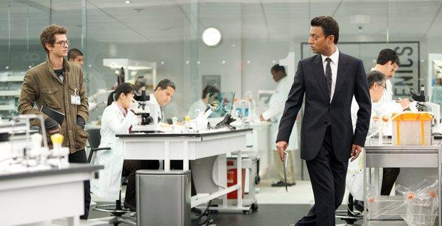 File:Peter Parker and Dr. Ratha.jpg