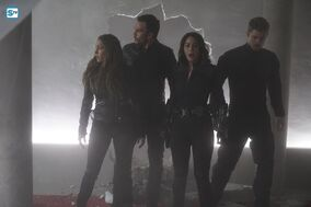 Agents of SHIELD S3E17 - The Team Image 02