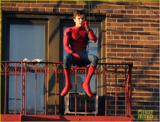 File:Tom-holland-performs-his-own-spider-man-stunts-on-nyc-fire-escape-12.jpg