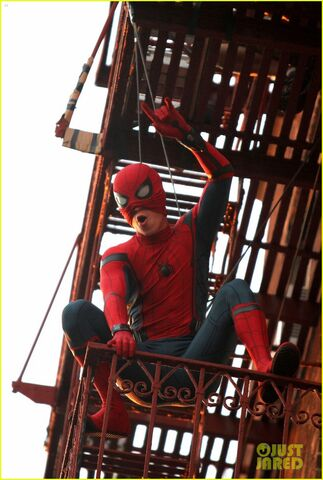 File:Tom-holland-performs-his-own-spider-man-stunts-on-nyc-fire-escape-07.jpg