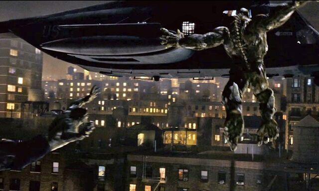 File:Hulk and abomination jumps toward chopper wallpaper.jpg