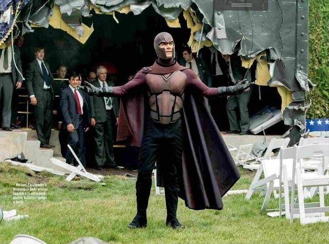 File:Magneto suit XDoFP.jpg