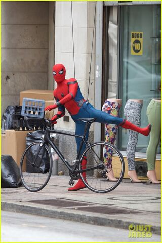 File:Spider-man-swings-into-action-on-set-19.jpg