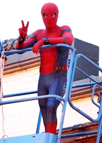 File:Spider-Man - Homecoming - Spidey - Set - August 30 2016 - 2.png