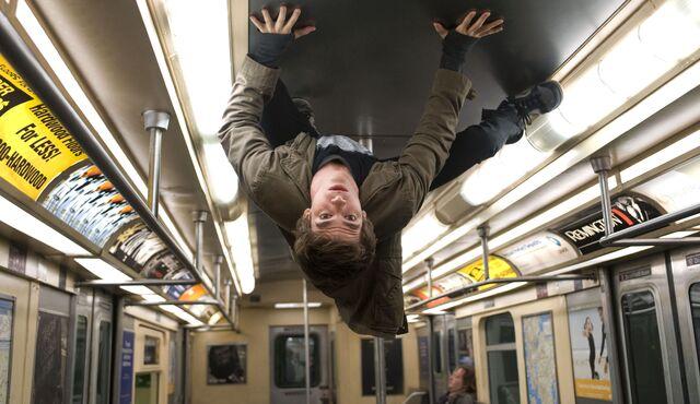 File:Peter Parker Garfield.jpg
