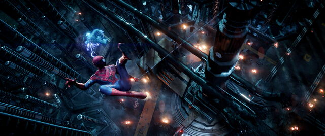 File:The-amazing-spider-man-2-photos-electro-spider-man-fight.jpg