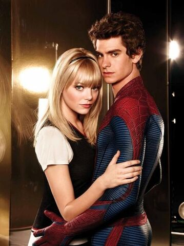 File:Gwen and Peter Spidey 01.jpg
