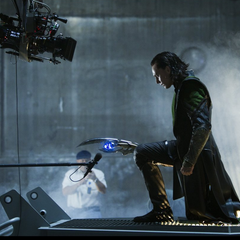 Behind The Scenes with Tom Hiddleston (Loki).