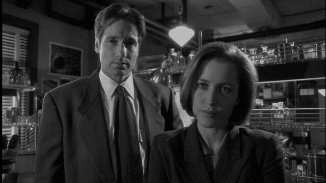 File:Mulder-scully.jpg