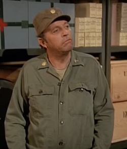 Ted Gehring as Major Arnold Morris HASH