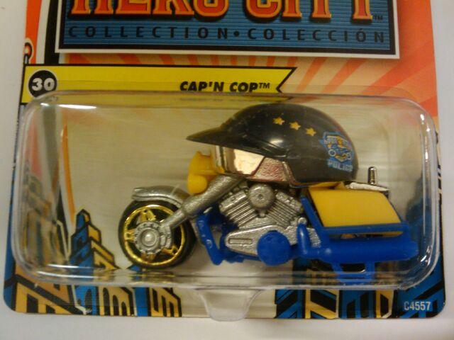 File:Hero city cap'n cop.jpg