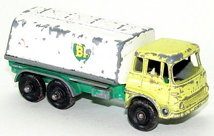 File:6425 Bedford Petrol Tanker.JPG