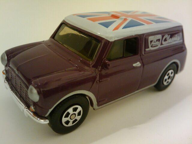 File:Superfast 65 Austin Mini Van.jpg