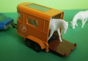 Pony Trailer (Cast)