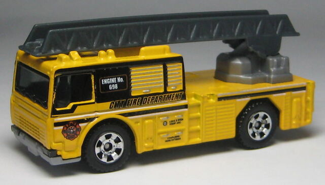 File:0960LadderTruckYellow.jpg