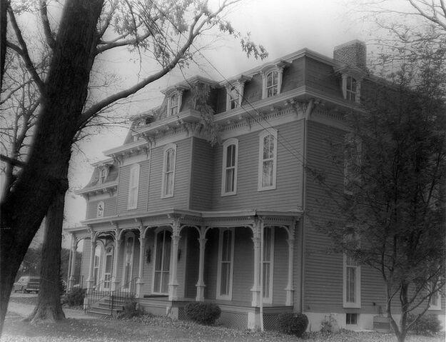 File:Old mansion.jpg