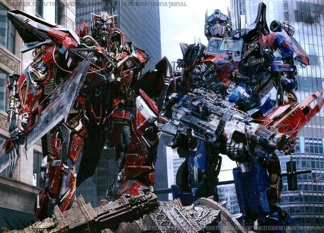 File:Transformers-Dark-Of-The-Moon-Official-Posters-transformers-dark-of-the-moon-22769542-720-518.jpg