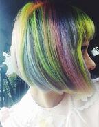 Melanie-martinez-hair-rainbow-bob